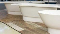Какую ванну выбрать: акриловую, стальную или чугунную