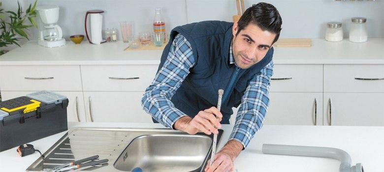Установка мойки на кухне: особенности монтажа